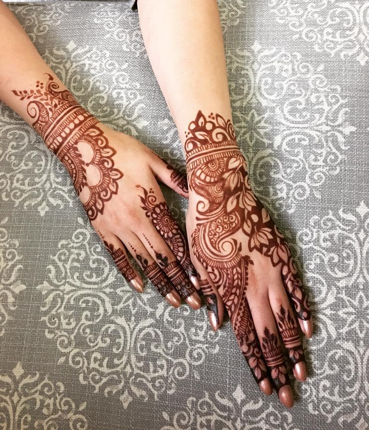 Love the stain ❤️❤️❤️ _______________________________________________________ For rates and availability call/text 604-818-7786 or email : muniramotani@yahoo.com @hudabeauty @munirasmehndi #hennapro #bridalmehndi #mehndidesigns #henna #hennaparty #sikhweddings #instafollow #mehndi #indian_wedding_inspiration #hennainspire #hinduweddings #weddingfestivities #dollhousedubai #everything_indian_weddings #southasianbride #hudabeautyart #hennadesigns #bridalhenna #mehndiartist #southasianwedding…