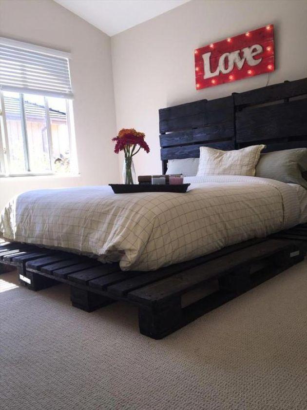 Dark Painted Pallet Bed Pallet Furniture Bedroom Pallet Furniture Plans Pallet Furniture