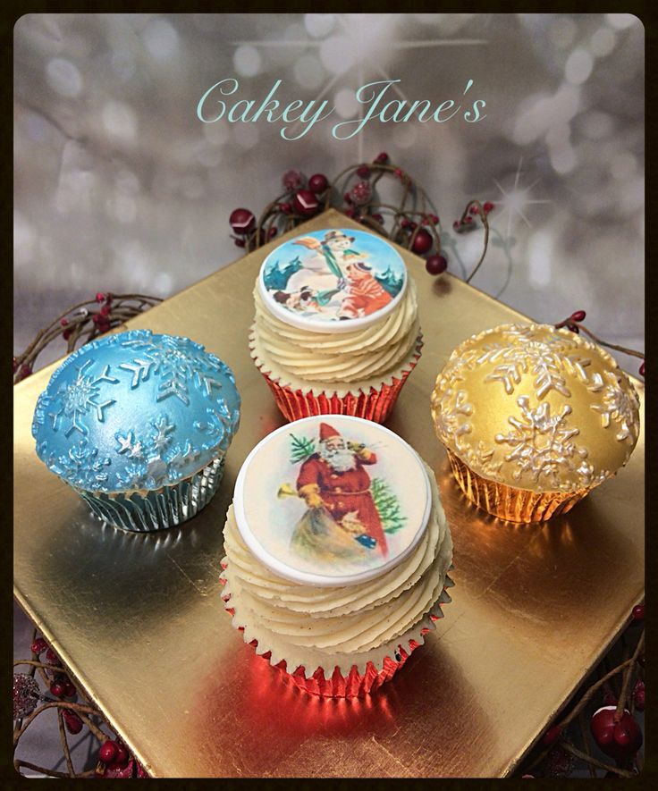 Vanilla, brown sugar and festive spiced cupcakes with Christmas curd centre and cinnamon frosting #xmascupcakes