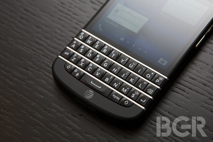 BlackBerry Q10 pricing and app fragmentation could leave it dead in the water