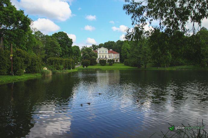Pałac w Złotym Potoku http://gdziewyjechac.pl/27626/pol-niedzieli-polnocnej-jury-magiczna-dolina-wiercicy.html