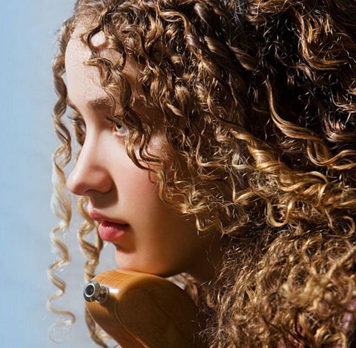 Tal Wilkenfeld Bass Player Curlyhair Dianne Nola Hair