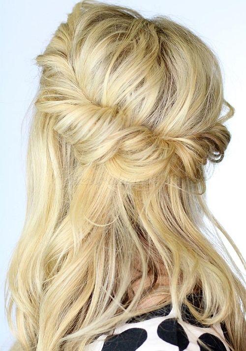 félig feltűzött frizurák, frizurák hosszú hajból - hajpánt köré tekerve