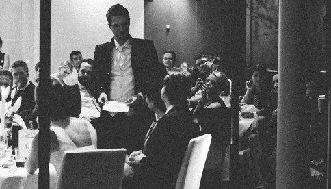 Lustige Hochzeitsrede für Trauzeugen: Planung, Tipps ...