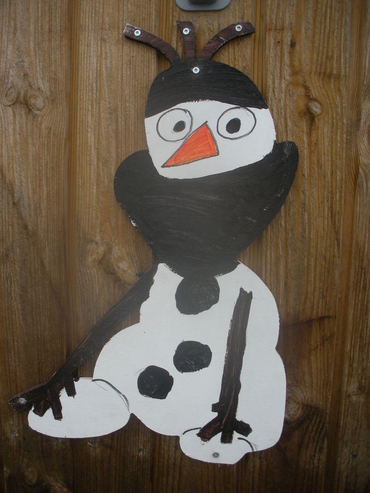 """Snemanden Olaf som """"Ninja"""" kriger."""