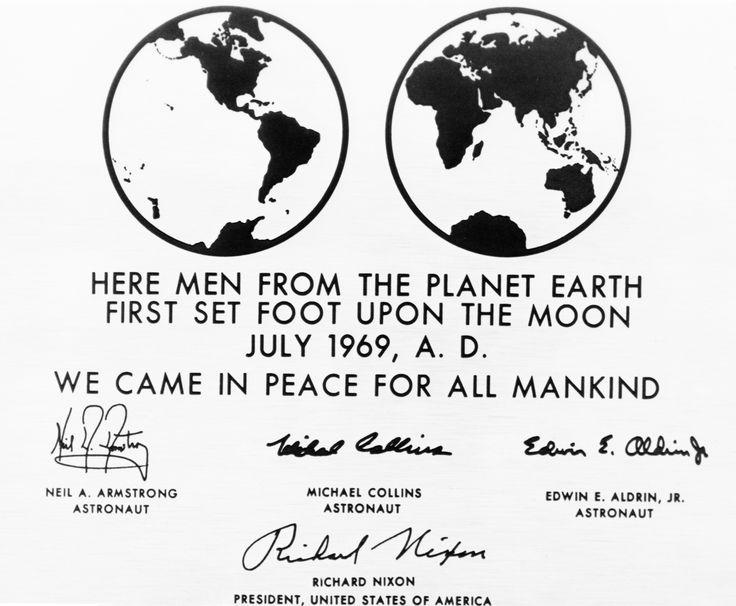Apollo 11 plaque. Futura.