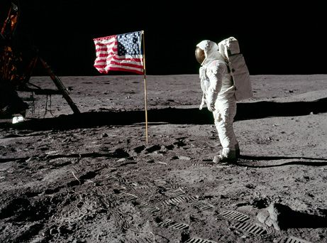 If there is no wind on the moon, then when the American flag is waving ? This is a rumor that affected everyone belief if yes or no men have been on the moon. It contrasts the Myth of Photographic Truth and shows that you can be fooled by the image we are showing you.