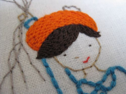 Great tutorial from Aneela Hoey explaining how she fills her embroidery designs with a woven look.