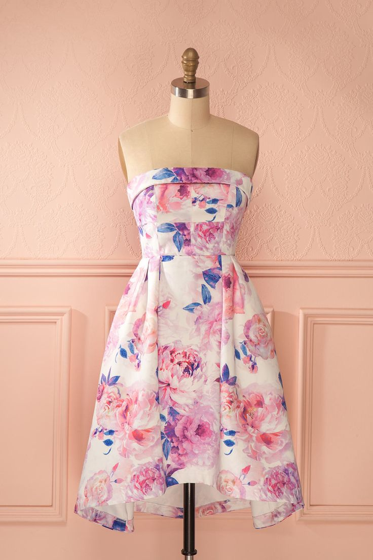 Le bal des pivoines sera des plus colorés cette année ! The ball of the peonies will be very colorful this year! Pink floral print high-low bustier dress www.1861.ca