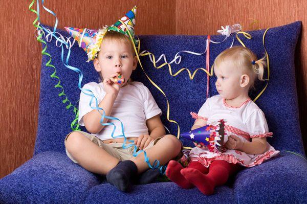 Capodanno con i bambini: cosa è meglio fare a seconda dell'età State già pensando a cosa fare la notte dell'ultimo dell'anno insieme ai bambini? Ecco qualche idea per passare una serata piacevole con bambini molto piccoli e fino ai 10 anni