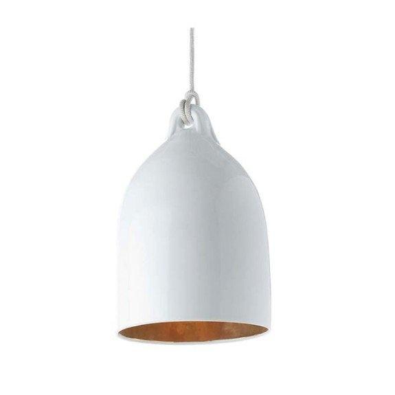 De Bufferlamp van Wieki Somers voor Pols Potten is een prachtige witte porseleinen bufferlamp met goudkleurig glas aan de binnenkant. De gouden binnenkant zorgt voor een mooie gloed als de lamp aanstaat.     Deze lampen worden met de hand gemaakt.