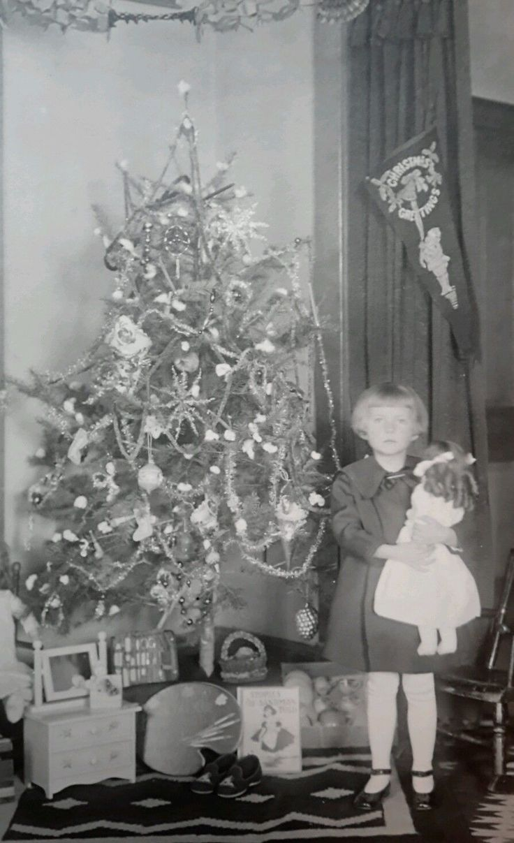 Vintage christmas trees and putzes 1910 - Antique Christmas 1920 Photo Of A Girl Holding A Doll By Tree With Toys Ebay