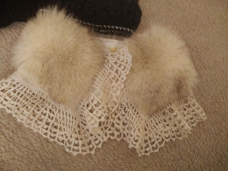 scarf-collar, combined fur and knitted by hand lace, clasp on button.