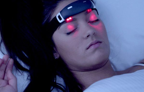 http://urbanwearables.technology/wp-content/uploads/2016/09/iBand-wearable-for-lucid-dreaming-599x385.jpg