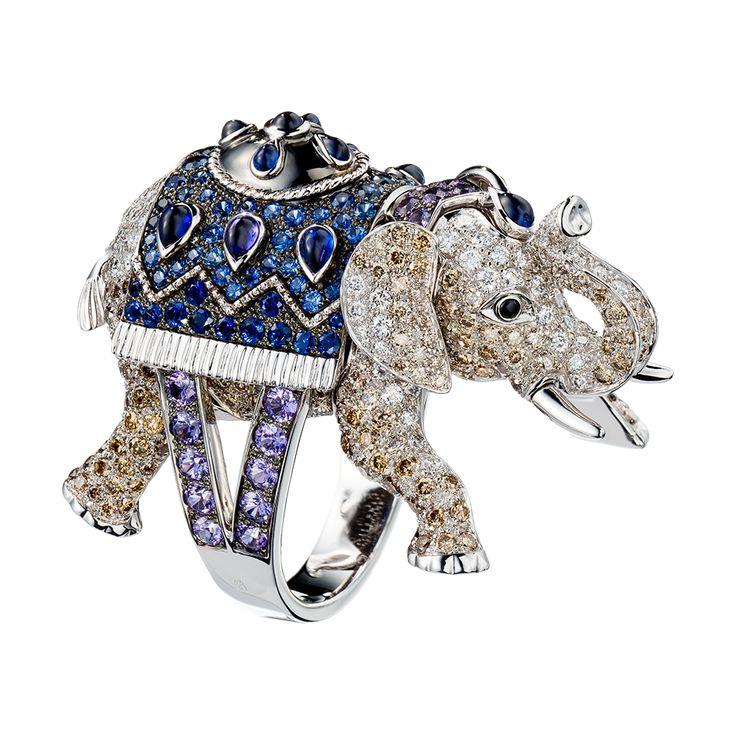 ハティ リング, a Maison Boucheron Jewelry creation. A Boucheron creation tells a Story, that of the Maison and your own.