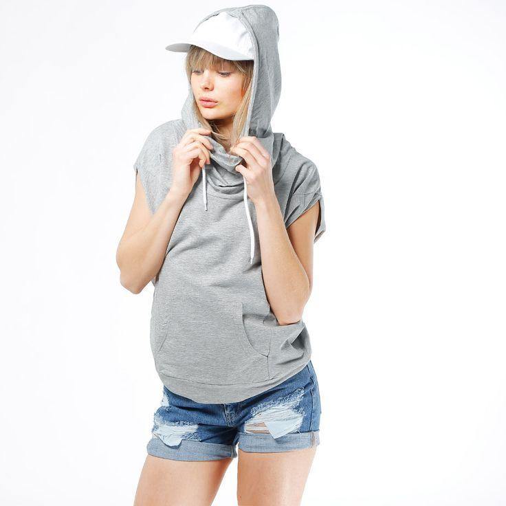 Hoodie från Urban Classics. Material: 100% Bomull. Modellen är 173 cm och är fotad i S.