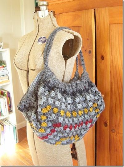 Cute granny square crochet satchel!