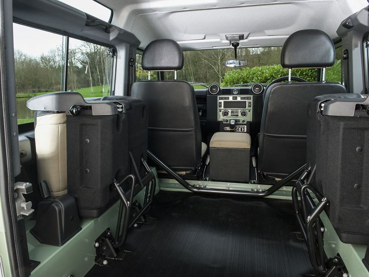 2015 LAND ROVER Defender 90 Heritage Station Wagon Grasmere Green with Almond Cloth