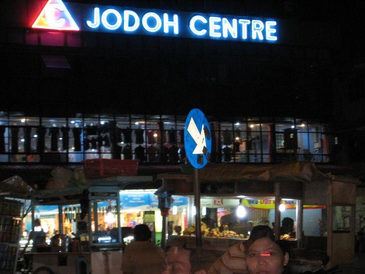 Belanja Barang Murah di Pertokoan Jodoh Dengan Rental Mobil Batam Murah