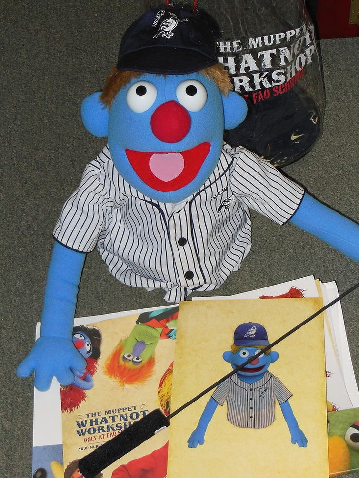 MUPPET WHATNOT WORKSHOP PUPPET FAO SCHWARZ NEW YORK PIGEONS BASEBALL PLAYER