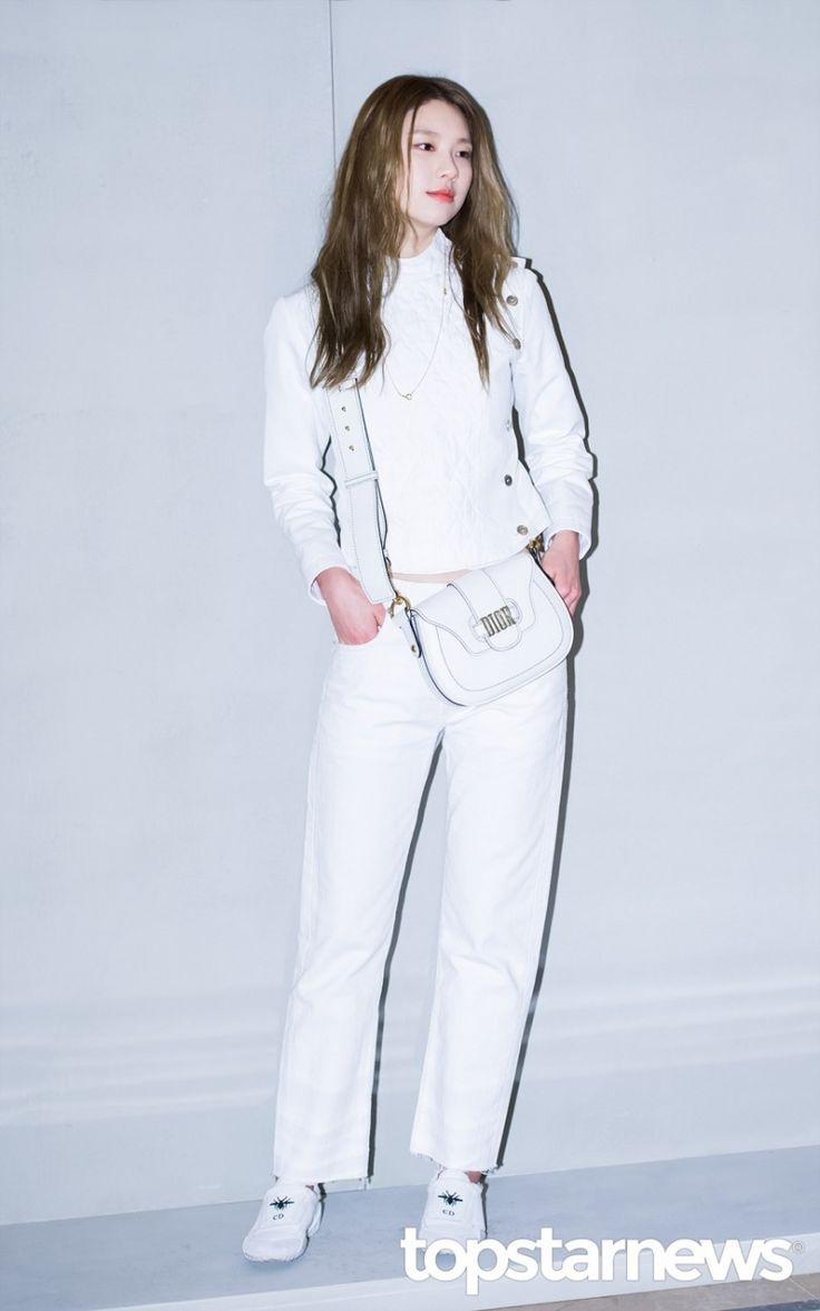 Makemodel SEOLHWA  [HD포토] 김진경 세련된 올화이트 패션 #김진경
