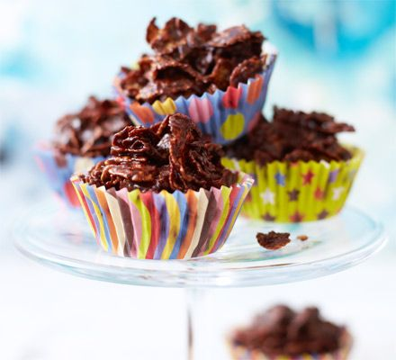 Cooking with kids: Chocolate cornflake cakes - I prefer with rice Crispies and dark choc or combo of milk & dark - takes 15mins!