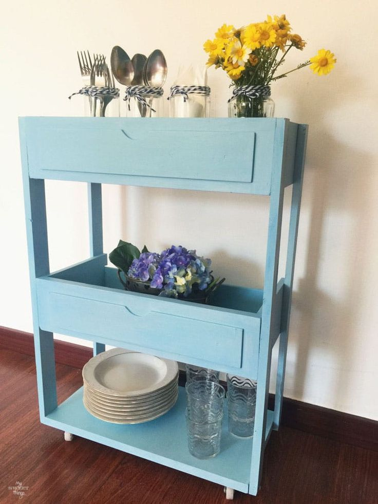 If you have old dressers, don't throw the entire thing away. Salvage the drawers! Or better yet, salvage the drawers and turn the rest of them into scrap woods that you can use later. Diy Garden Furniture, Repurposed Furniture, Furniture Projects, Furniture Makeover, Painted Furniture, Furniture Design, Furniture Cleaning, Handmade Furniture, Old Dresser Drawers
