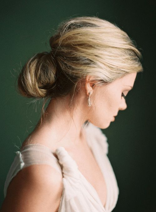[by Rylee Hitchner], coiffure mariée, bride, mariage, wedding, hair, hairstyle, braid, updo, chignon, tresse, couronne fleurs, headband