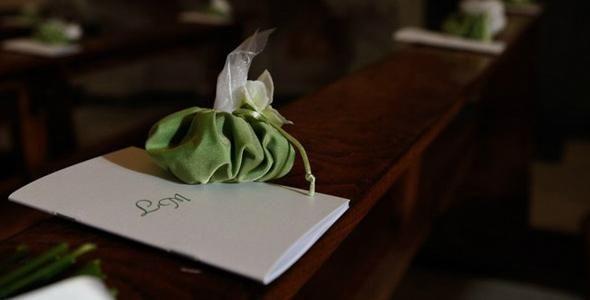 Libretto matrimonio: visualizza un esempio di libretto della messa delle nozze e crea il tuo libretto matrimonio online.