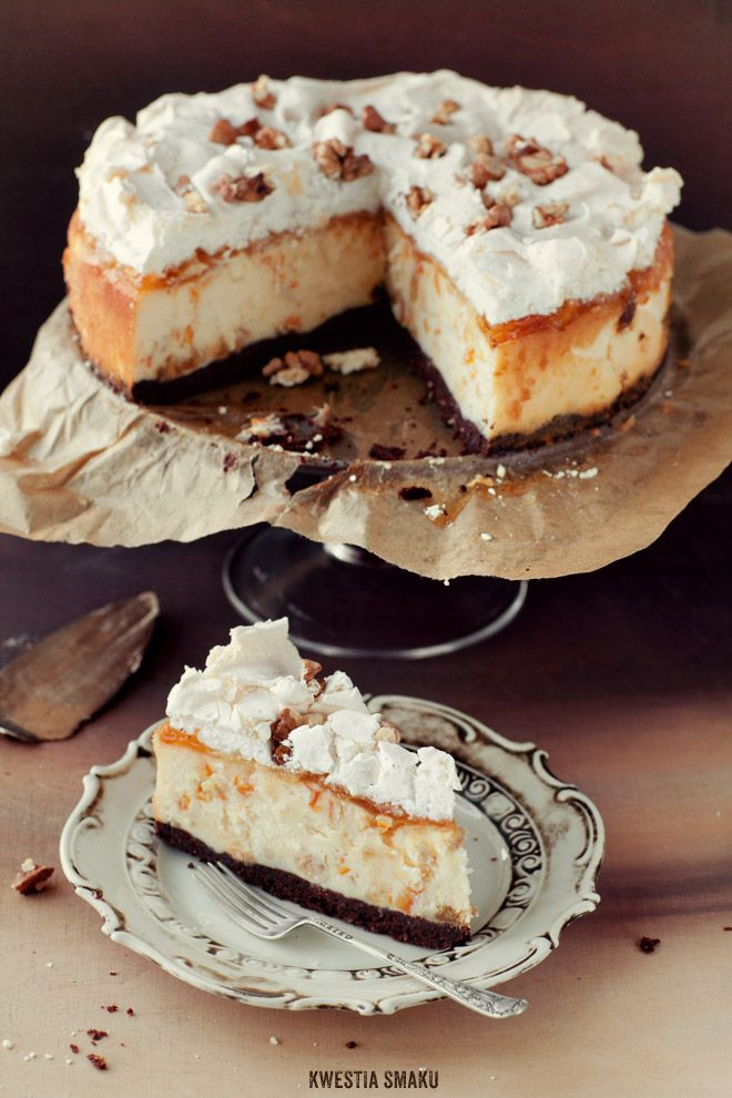 Sernik Królewski  { Royal Cheesecake on Chocolate-Hazelnut Bottom, with Orange-peel and Raisins & Coated with Orange-jam, Meringue and Walnuts }