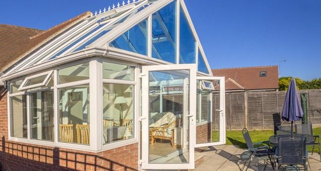 Keeping conservatory cool in summer and warm in winter