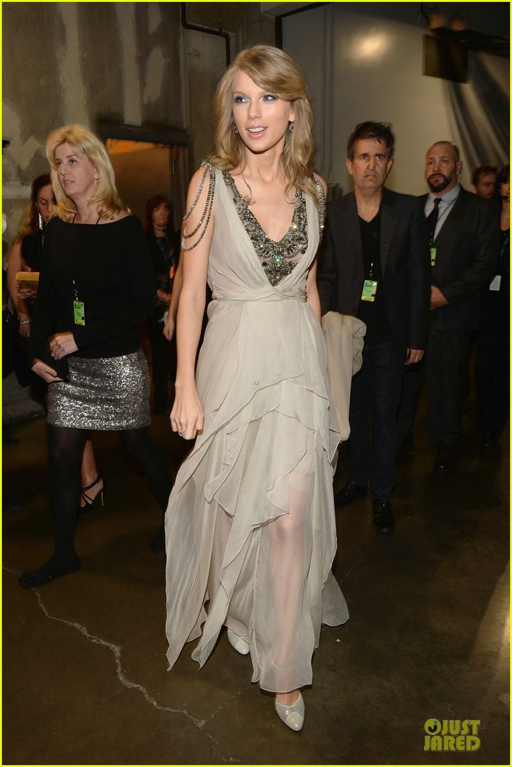 Taylor Swift Performs 'All Too Well' at Grammys 2014 (Video)! | 2014 Grammys, Taylor Swift Photos | Just Jared