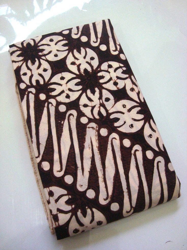 Batik Klasik Jogja Motif Parang Kawung Prabu   http://thebatik.co.id/batik-cap/batik-klasik-jogja-motif-parang-kawung-prabu/