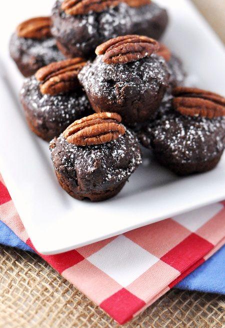 Superbowl Party Food Recipe: 2-Ingredient Chocolate Pumpkin Mini Cakes