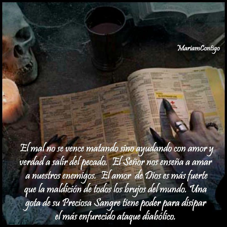 La brujería está al orden del día. En París hay más brujos que  sacerdotes católicos. En México está de moda el culto a la Santa Muerte ...