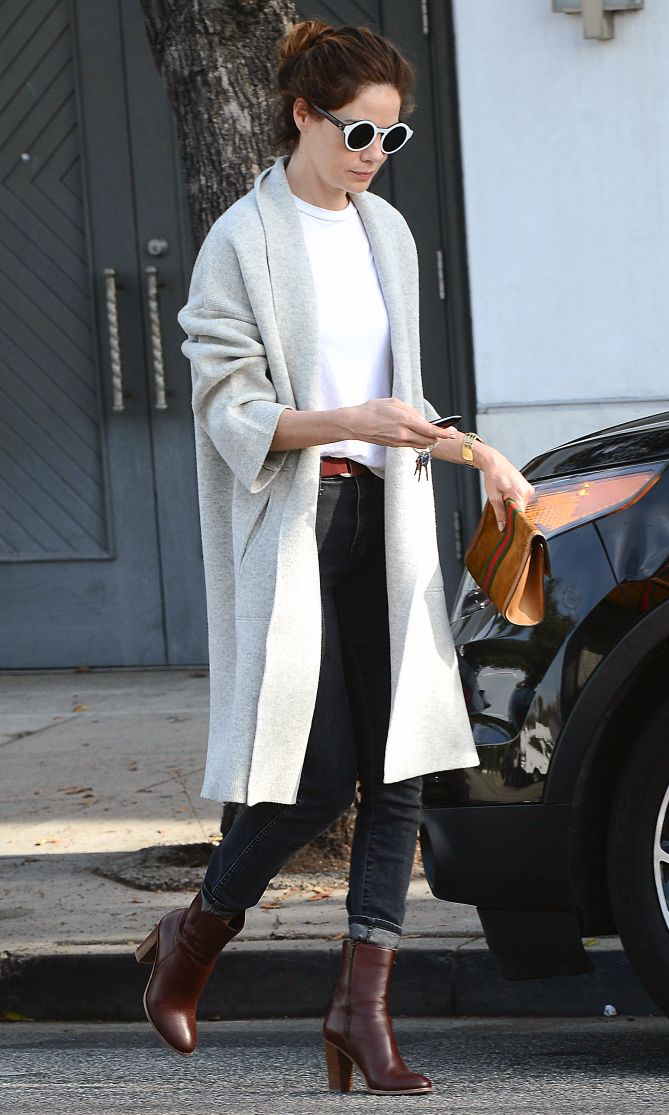 Celebrity Style Inspiration: Best Celebrity Inspired Street Style Outfits--COAT is amazing