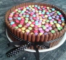 Recette - Gâteau Smarties/Fingers - Notée 4.2/5 par les internautes