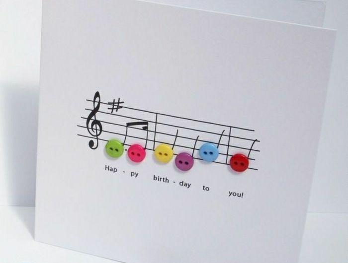 1-carte-d-aniversaire-blanche-nottes-de-musique-comment-faire-soi-meme-carte-d-anniversaire