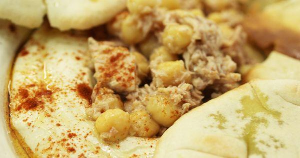 Hummus con Atún Claro Campos, reinventamos la clásica receta del paté de garbanzos árabe.
