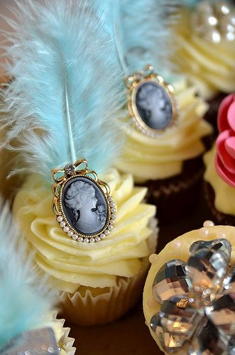 Cupcakes Take The Cake: Cameos and feathers on Marie Antoinette inspired cupcakes
