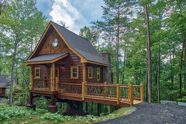 Smoky Mountain Treehouse Luxury Plus 1 Bedroom Gatlinburg Cabin Rental Cabin Tree House Gatlinburg Cabin Rentals