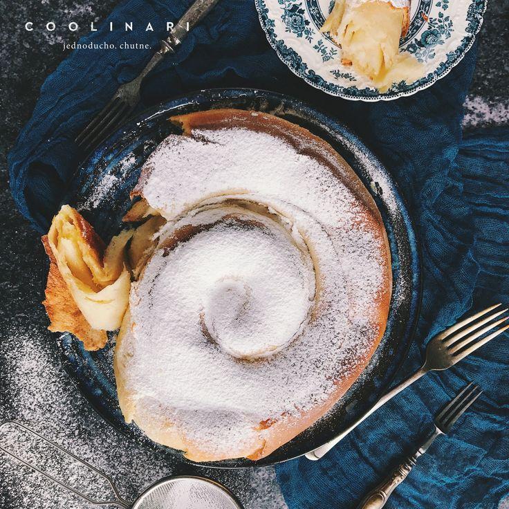 Ensaïmada je nesmierne dobré pečivo. V pôvodnom recepte sa plní bravčovou masťou, čo sme trochu upravili a a ako náplň použili naším obľúbené maslo.