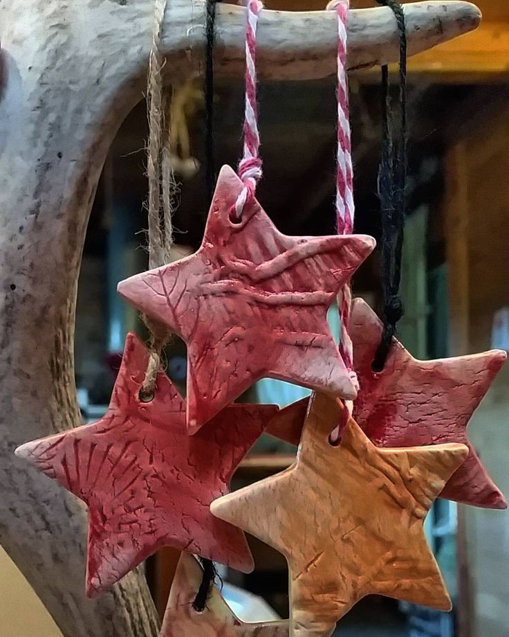 Stars on string. Da da da dunn. #lazymaymarkets by kimfoaleceramics