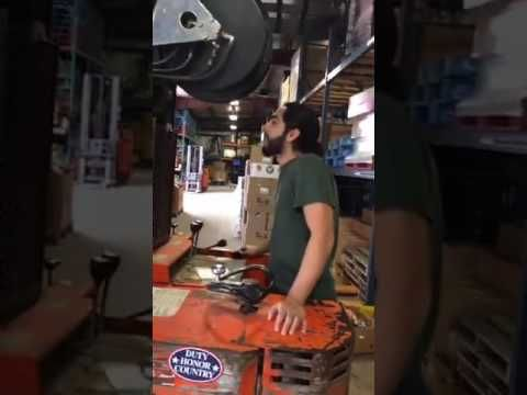 Waukesha Chiropractor donates food at local food pantry in Waukesha, WI