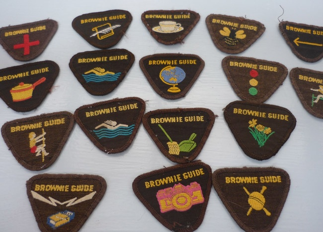 girl guide how to put emblems