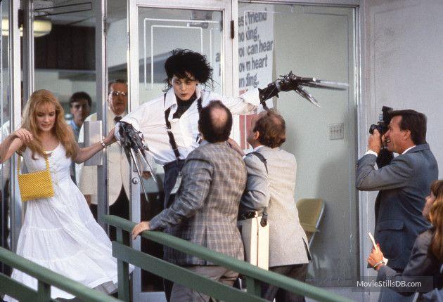 Edward Scissorhands - Publicity still of Johnny Depp & Winona Ryder