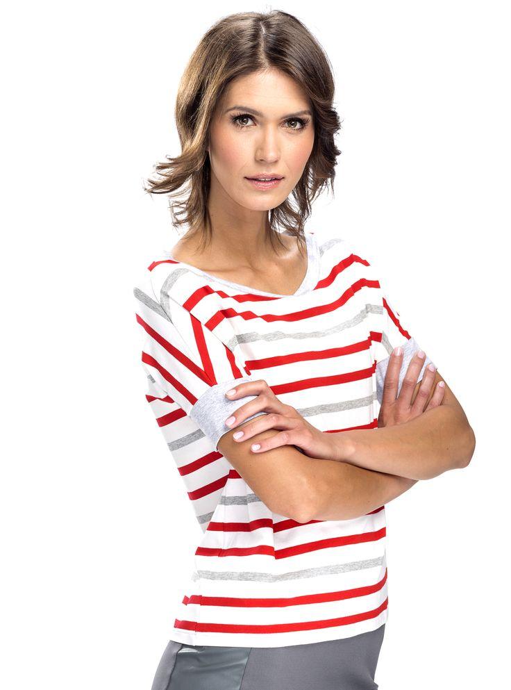 BLUZKA W PASKI    ::  Bluzka z krótkim rękawem typu oversize. Uszyta z miękkiej, przyjemnej w noszeniu bawełny w pasy biało-szaro-czerwone. Dekolt i rękawy wykończone szarą lamówką. #bluzka #bluzki #bawełna #lamówka   http://www.mapepina.pl/kobieta/bluzka-w-paski.html