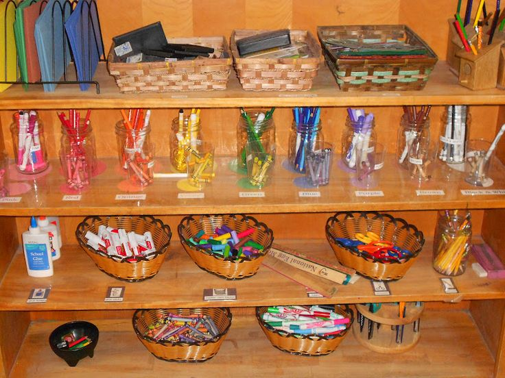 Like the idea of sorting markers, crayons, materials by color. It makes the selection of what to grab off the shelf much more meaningful and thought provoking than a tub or marker or mixed color crayons