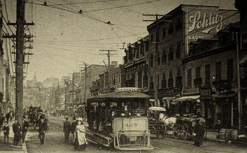 Montréal, vers 1900. Rue Saint-Laurent, depuis rue Sainte-Catherine >Nord. by DubyDub2009, via Flickr