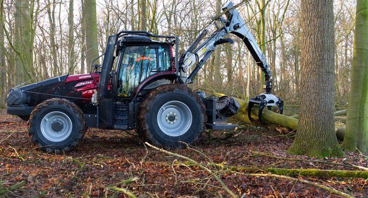 Erster Test im Wald mit dem Forstschlepper Valtra T174 Direct